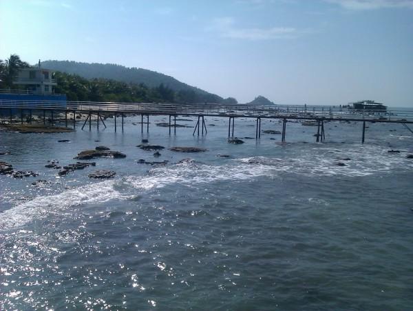 泛舟西岛好风光。