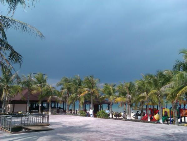 转瞬之间乌云涨。