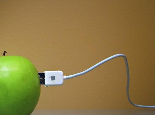 Lori Greig - apple 2 apple